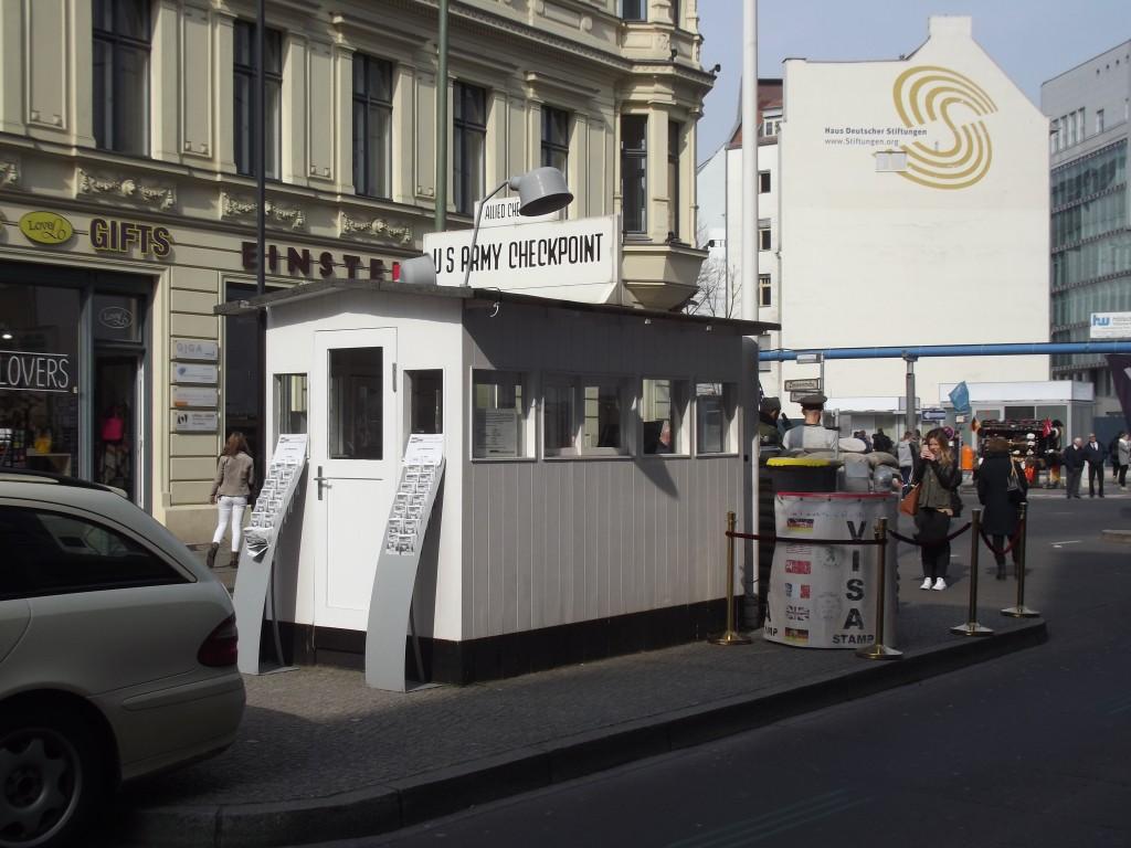 Checkpoint Charlie, Friedrichstraβe